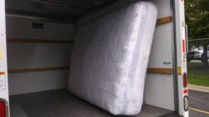 FREE Queen Mattress and Box Spring for Sale in Romeoville, IL