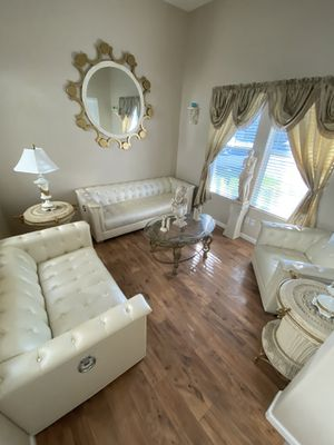Elegant 3 Piece leather living room set for Sale in Tracy, CA