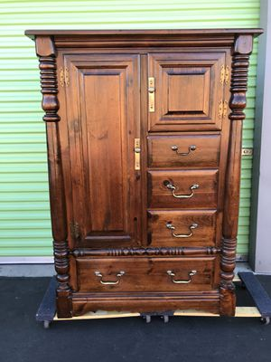 BEAUTIFUL NICE DESIGN ELEGANT, LUXURY LOOKS, SOLID WOOD ARMOIRE IN GREAT CONDITION.. for Sale in Las Vegas, NV