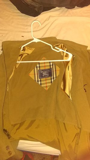 Burberry men's jacket size medium brand new worn once for Sale in Oklahoma City, OK