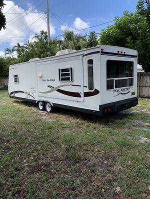 2005 Golf stream Trailmaster 31'ft slide out 2 bedroom sleeps 6 $5800 for Sale in Fort Lauderdale, FL