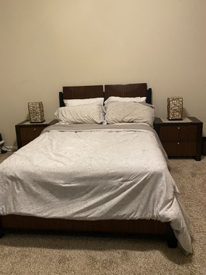 Brown queen size bed set for Sale in Brandon, FL