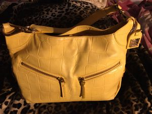 Dooney & Bourke yellow leather croc purse for Sale in San Antonio, TX