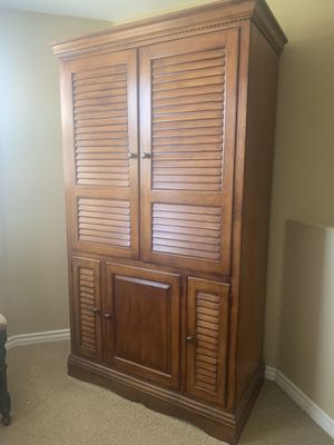 Lexington Solid Wood TV Armoire for Sale in Jurupa Valley, CA