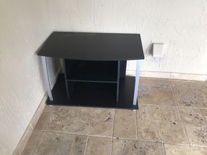 Tv stand free for Sale in Miami, FL