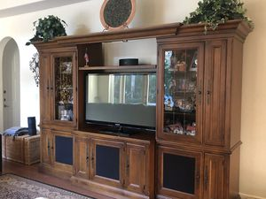 Gorgeous wall unit for sale with glass for Sale in Coral Springs, FL