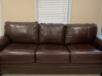 Leather Couches for Sale in Gainesville,  VA