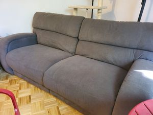 Medium gray recliner sofa for Sale in Chicago, IL