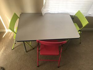 Kids table and 3 chairs for Sale in Valrico, FL
