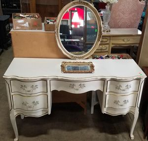 Gorgeous French Provincial Vanity - Delivery Available for Sale in Tacoma, WA