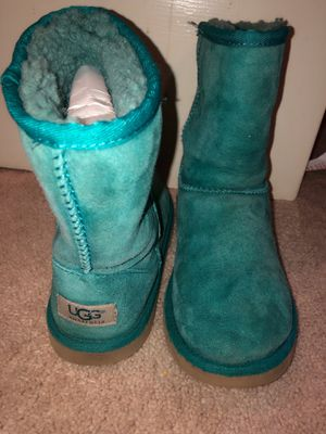 Auqua green Uggs size 4!! 🧚🏽♂️💚🧪 for Sale in Raleigh, NC