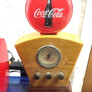 Antique vintage Coca-Cola AM/FM radio for Sale in Ontario, CA