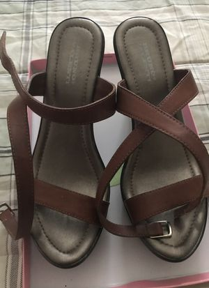 Brown laces hills (Brazil ) size 10' for Sale in Silver Spring, MD