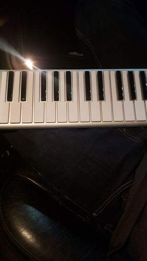 CME xkey 25key wireless musical keyboard for Sale in Seal Beach, CA