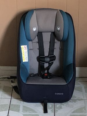 PRACTICALLY NEW CONVERTIBLE CAR SEAT for Sale in Riverside, CA