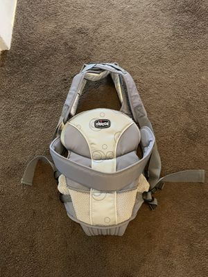 Chicco baby carrier for Sale in Brooklyn, OH