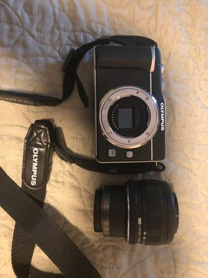 Olympus E – PL1 mirrorless Digital camera used with 14–42 mm lens. for Sale in Pompano Beach, FL