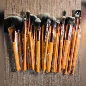 24pc brush Set ✨ for Sale in Fullerton, CA