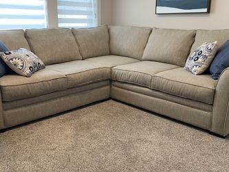 Sectional for Sale in Gladstone,  OR