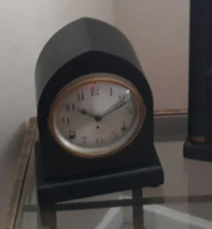 Antique SETH THOMAS Mahogany Gothic Tombstone Beehive Mantel Clock for Sale in Queen Creek, AZ