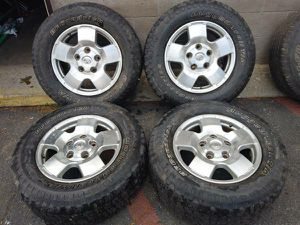 Toyota Tundra or Sequoia alloy 5 lug 18 inch rims for Sale in Montebello, CA