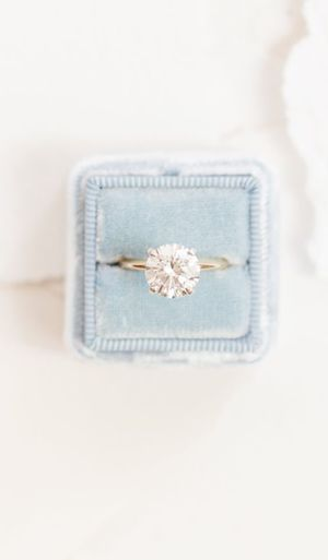 High-Quality 2CT Solitaire Moissanite Diamond Rings High- Clarity Round Cut in 18k gold setting for Sale in Los Angeles, CA