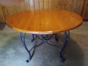 Solid round dining table, some scratches,in good condition pick up only 75 for Sale in Pensacola, FL