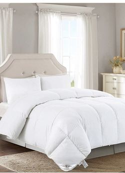 Goose Down Comforter Twin Size Duvet Insert Hypo-allergenic All Season Down Comforter 750+ Fill Power Cotton/Poly, Solid White for Sale in Lilburn,  GA