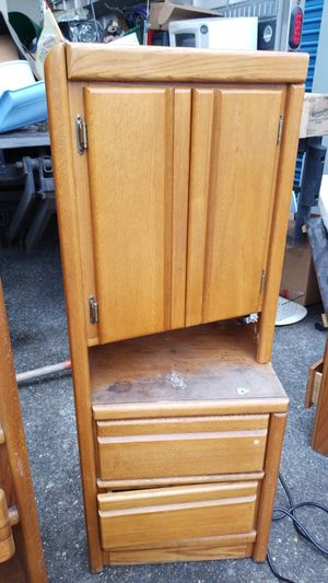 2 Corner shelf for Sale in Clackamas, OR
