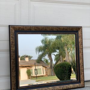 Beautiful Wall Mirror for Sale in Fontana, CA