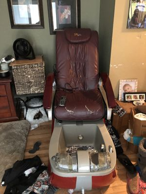 Chair for Sale in Fort Dodge, IA