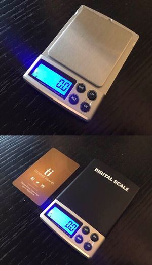 New in box 1000 gram x 0.1g accuracy jewelry pocket weighing weight scale with leather pouch batteries included for Sale in Covina, CA