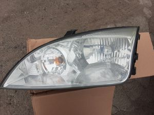 Headlights for ford focus 2005-2007 for Sale in Los Angeles, CA