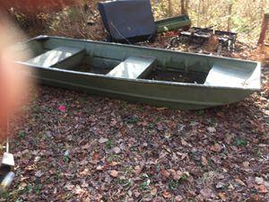 "Alumacraft 12"" Jon boat for Sale in Villa Rica, GA"