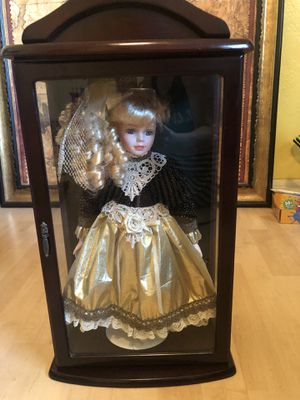 Little ladies collectible doll for Sale in St. Petersburg, FL