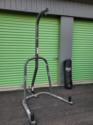 Punching bag and stand for excercise fitness boxing for Sale in North Las Vegas, NV