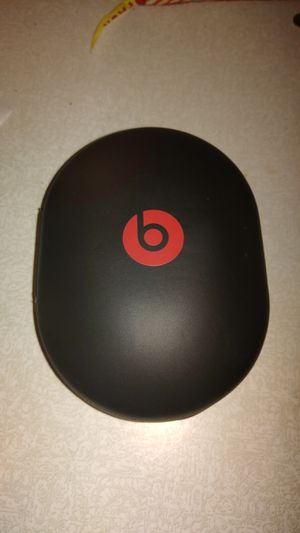 Beats by Dre Bluetooth headphones for Sale in Saline, MI