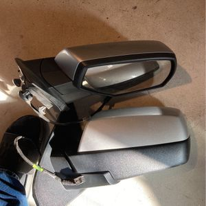 Chevy Silverado 2015+ Sideview mirrors excellent condition for Sale in Smithfield, RI
