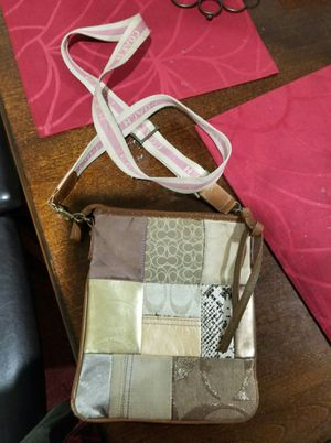 UGC Coach small crossbody purse for Sale in Lincoln Acres, CA