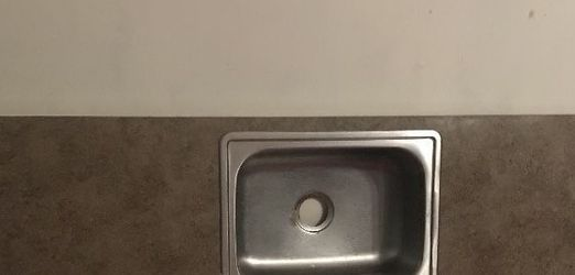 """Countertop With Stainless Steel Sink: L-Shaped Kitchen 25"""" X 36"""" for Sale in North Haven,  CT"""