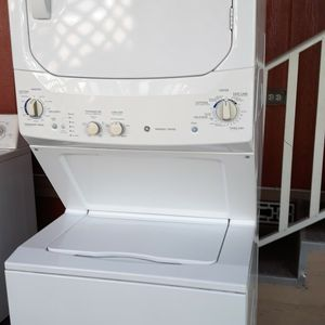 Stackble washer And Gas Dryer Xlg capacity Works Great! for Sale in Paramount, CA