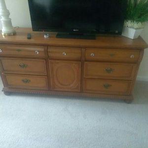 Oak Dresser Early American for Sale in Laurel, MD