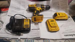 Hamer drill XR con martillo, usado pero bueno 20v,3 velocidades,2 Pilas XR usadas y cargador nuevo for Sale in Hazard, CA
