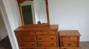 Room Dresser for Sale in Bakersfield, CA