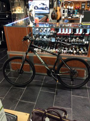 Giant Revel Mountain Bike for Sale in Boca Raton, FL