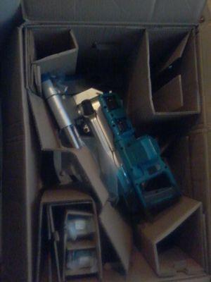 "MAKITA 18V X2 LXT LITHIUM-ION (36V) BRUSHLESS 10"" DUAL-BEVEL SLIDING COMPOUND MITER SAW W/ LASER KIT NEW**NEVER USED! for Sale in Detroit, MI"