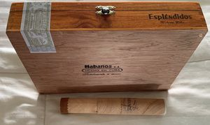 Tabacos COHIBA ( Habanos ) incluye porta tabaco for Sale in North Palm Beach, FL