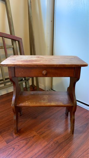 Small antique table for Sale in San Diego, CA