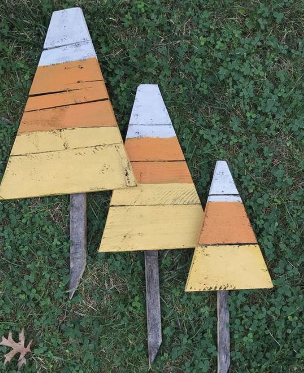 Candy corn yard stakes