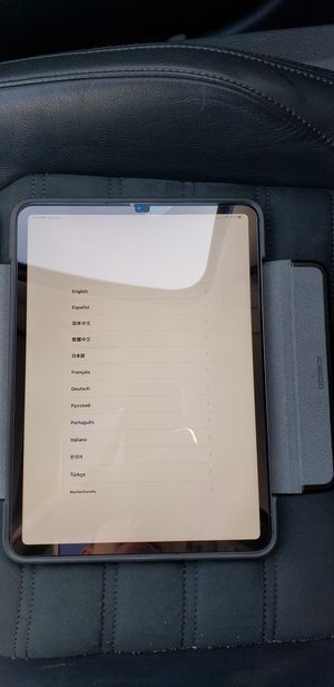 ipad Pro 11-inch 64GB Wifi + Cellular Space Gray for Sale in Monrovia, MD